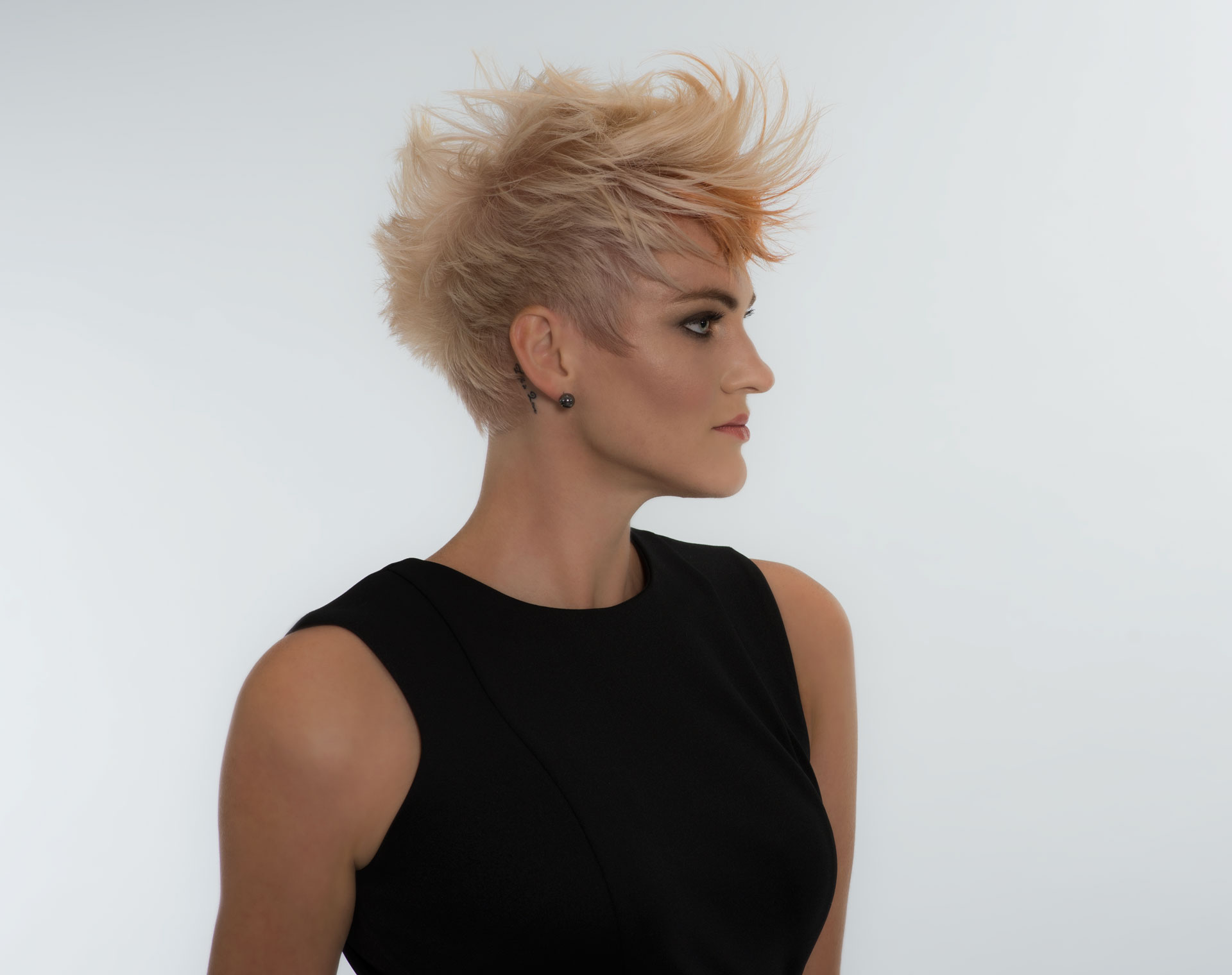 Haircut Margin : Short Smooth Texture hair Style - Kerastase North Dallas - AALAM The ...